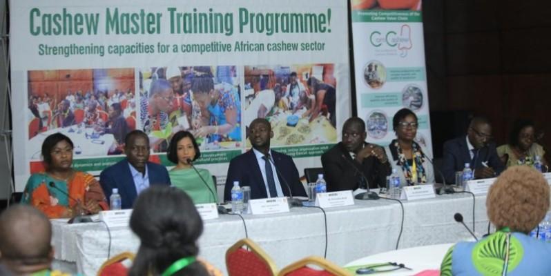 Les participants à la session de formation viennent de neuf pays africains et de l'Allemagne. (Dr)