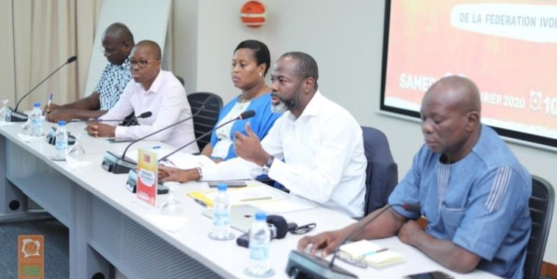 Le président Mahama Coulibaly (au premier plan) entend insuffler un nouveau dynamisme au basket-ball ivoirien . (DR)