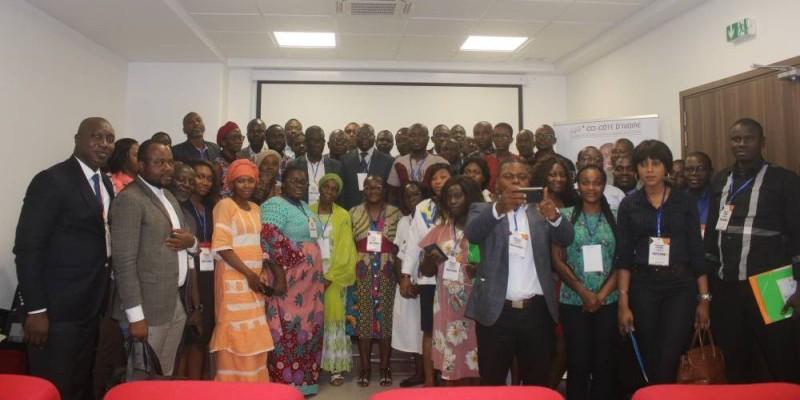 Une vue des participants à l'issue du séminaire. (Cci-ci)