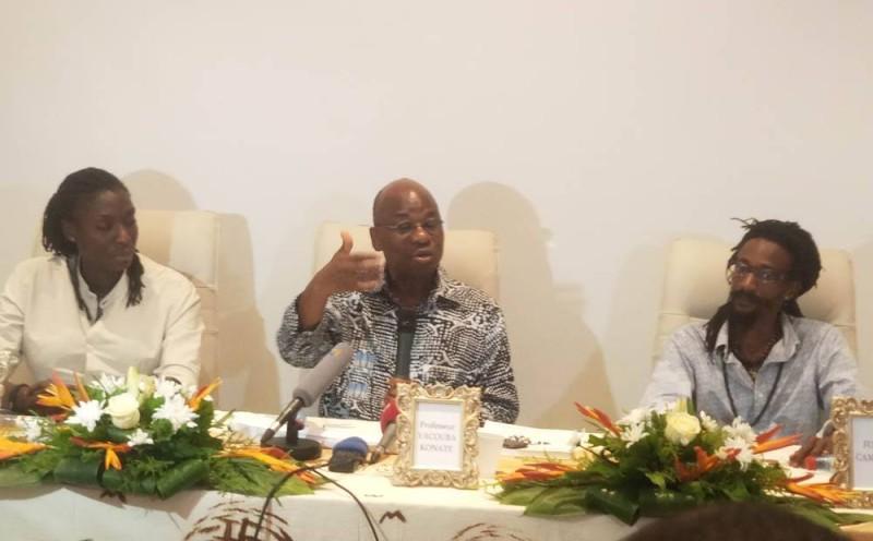 De la gauche vers la droite, Bintou Toungara, le Pr Yacouba Konaté et Fodé Sylla (Ph: Salif D. CHEICKNA)