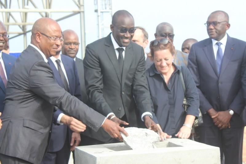 Le ministre Abdourahmane Cissé (au centre), à l'occasion de la pose de la première pierre de l'extension de la Centrale thermique d'Azito (phase 4). (DR)