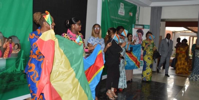 Des femmes sont venues de plusieurs pays africains pour parler de la défense de leurs droits. (DR)