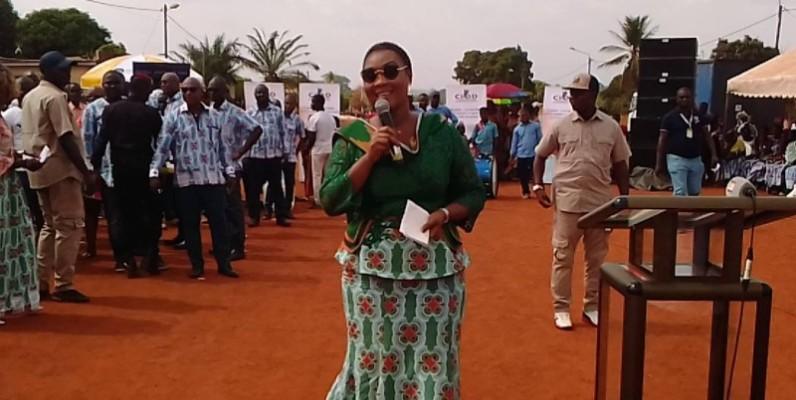 La secrétaire d'État, Myss Belmonde Dogo plaide pour l'autonomisation de la femme. (DR)