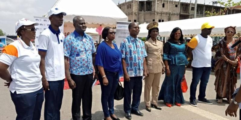 Les responsables de la Fondation femmes shunamites et les autorités de Bouaké. (DR)