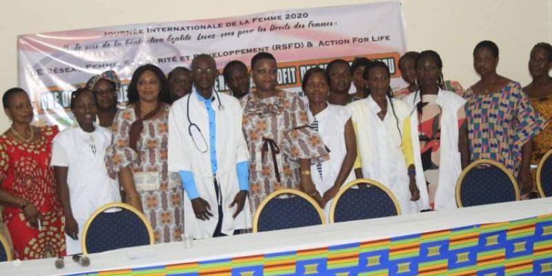Une équipe médicale a prodigué des conseils aux femmes à la fin de l'opération. (Dr)