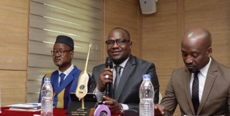 Jah Press (au centre) et son équipe sont venus témoigner leur reconnaissance aux Ivoiriens. (DR)