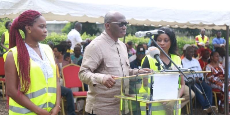 Diaby Lanciné (au pupitre), président de ''Générations gagnantes''. (DR)