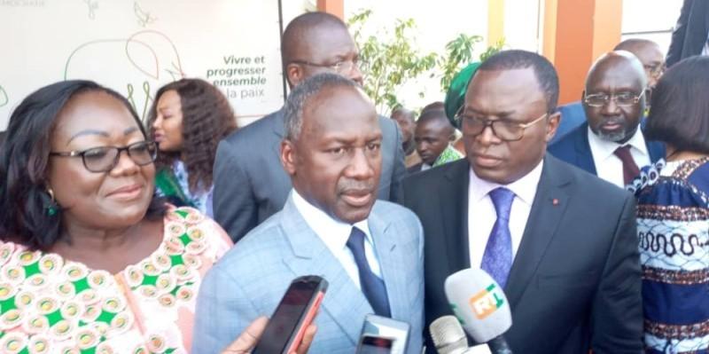 Le directeur exécutif du Rhdp, Adama Bictogo, encadré par Anne Désirée Ouloto et Danho Paulin, a rendu hommage au Président de la République.