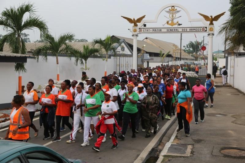 Celles-ci, relativement à la Journée internationale de la femme, ont fait des exercices de marche sportive. (PHOTO : DR)