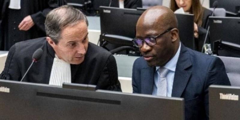 Charles Blé Goudé avec l'un de ses avocats à la Cour Pénale Internationale. La Haye, le 6 février 2020. (Rfi)