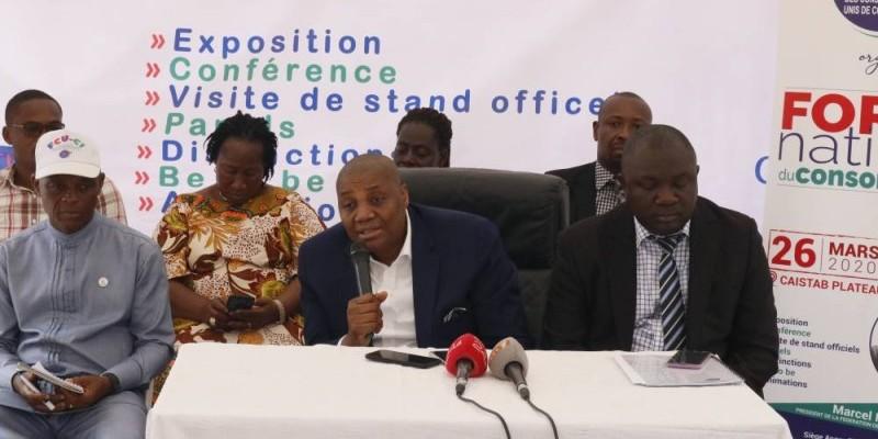 Le président de la Fcu-Ci (au micro) décline les grandes lignes du forum. (Bavane Kouika)