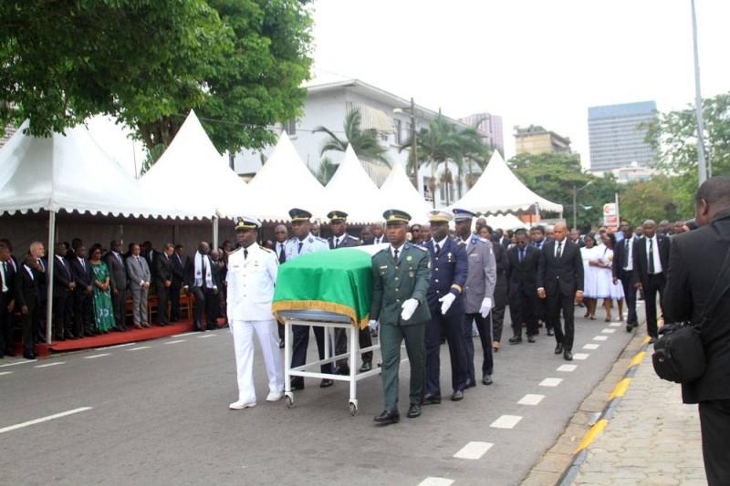 L'armée a rendu les honneurs militaires à ce grand serviteur de la nation. (Sébastien Kouassi)
