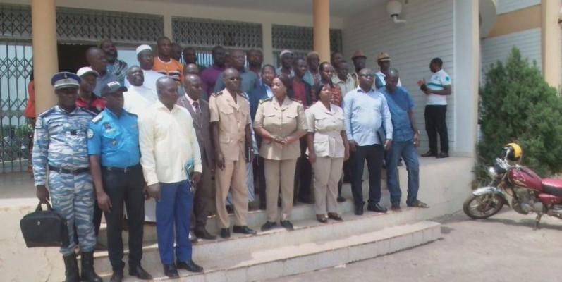 Les responsables de la coopérative des transporteurs ont posé avec les membres de l'administration. (DR)