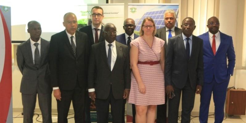 Les parties prenantes du  projet de Formation professionnelle dans les secteurs des Énergies renouvelables et de l'Efficacité énergétique en Côte d'Ivoire (ProFERE). (DR)