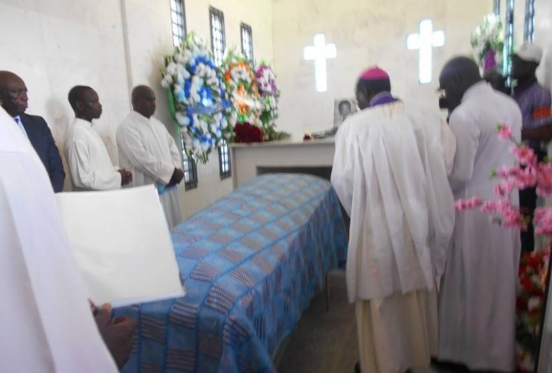 Charles Diby Koffi inhumé dans son village natal. (DR)
