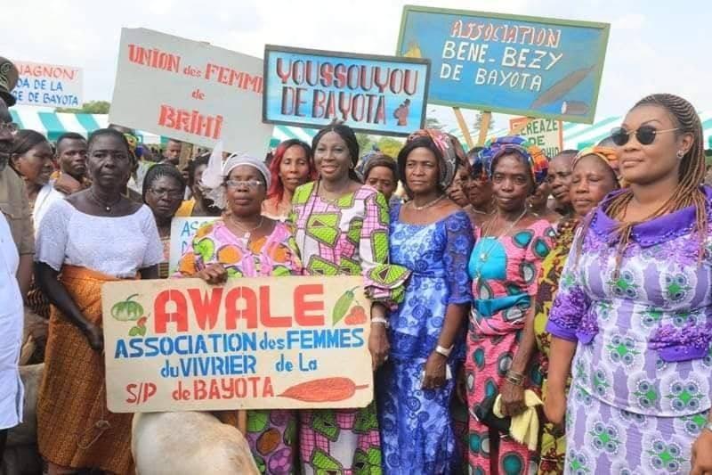 Kandia Camara et les populations de la région du Goh engagées pour la paix. (DR)