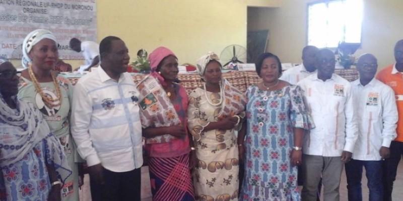 Ahoua N'Doli (3e à partir de la gauche) a mobilisé les femmes du Moronou. (Dr)