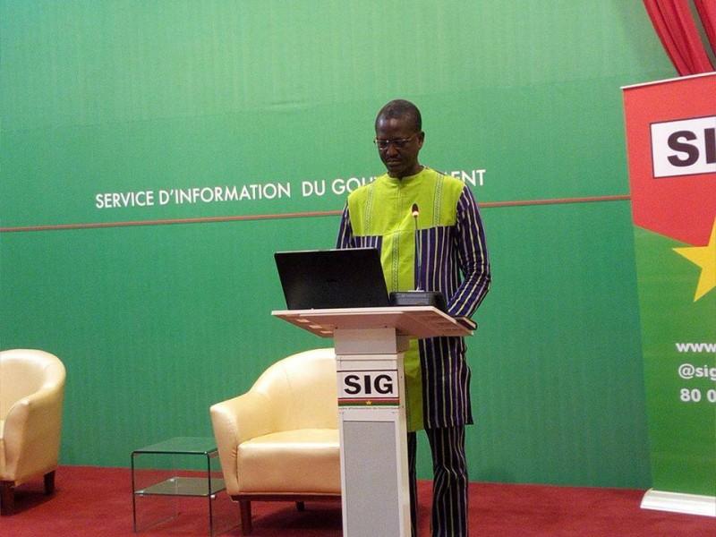 Le Professeur Martial Ouedraogo a fait le point de l'évolution de la maladie à Coronavirus, au Burkina. (SIG)