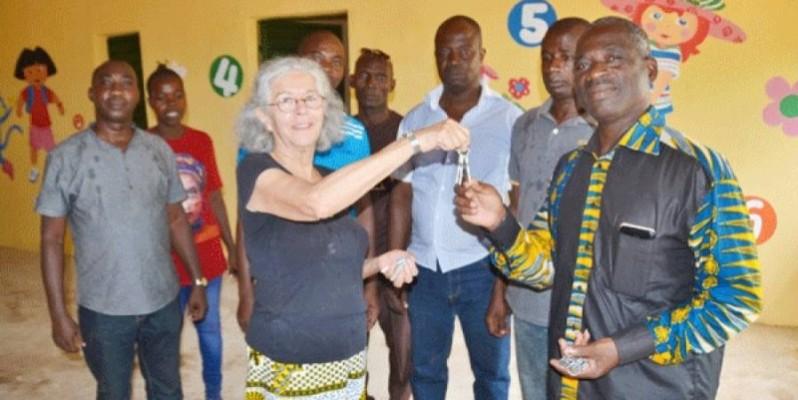La responsable de l'Ong Nachhaltig Gegen Hunger, Angélica Saavedra, les clés en main. (DR)