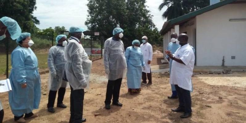 Le ministre a fait le tour des services et laboratoires pour s'assurer du bon fonctionnement de l'Institut Pasteur. (DR)