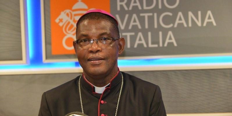 Mgr Gaspard Beby Gneba a annoncé au nom de ses pairs que le congrès des prêtres est pris en charge par eux-mêmes. (DR)