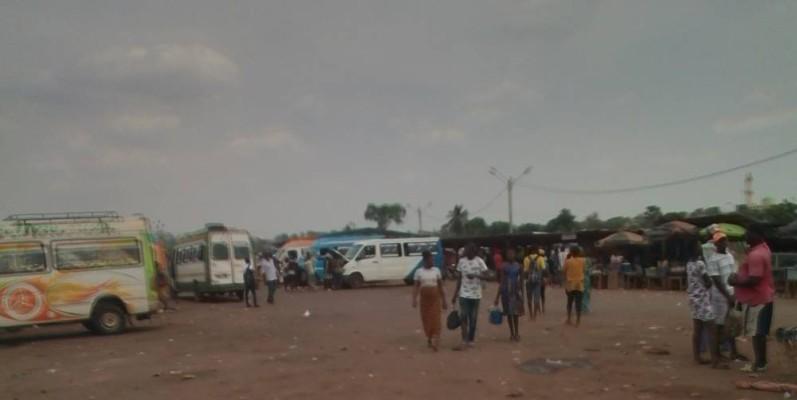 Le retour au village de certains fils de la région est diversement interprété. (DR)
