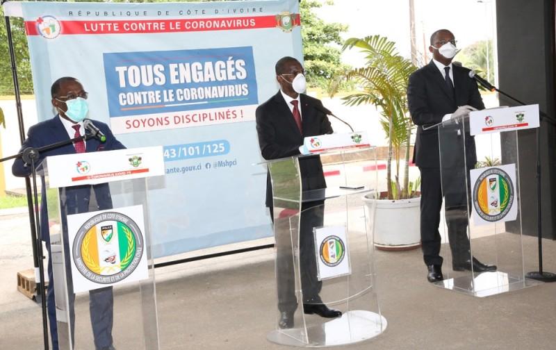De gauche à droite, les ministres de la Santé et de l'Hygiène publique, de la Sécurité et de la Protection civile et de la Communication et des Médias. (Dr)
