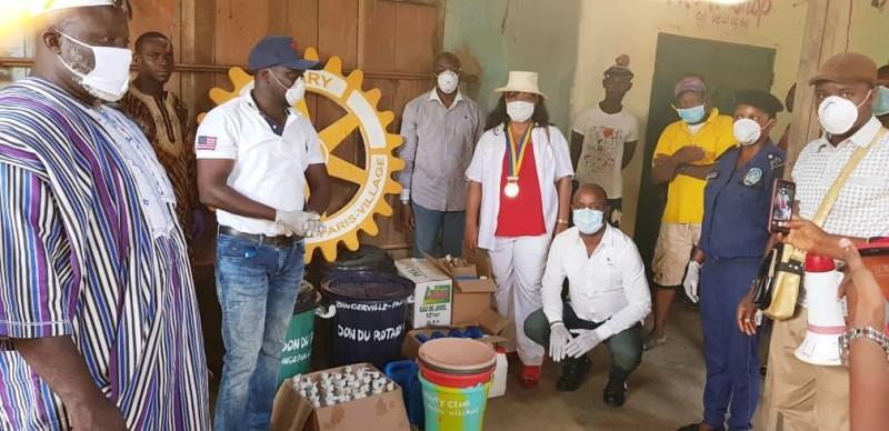 Le Rotary Bingerville Paris-village s'implique dans la sensibilisation contre le coronavirus. (DR)