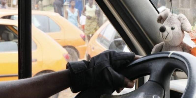 Un chauffeur de gbaka au volant. (Image d'archive)