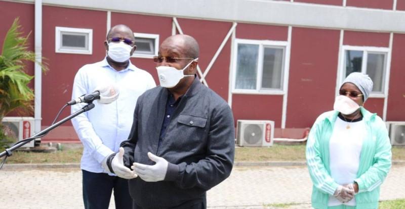 Le ministre du Tourisme et des Loisirs, Siandou Fofana inspecte le dispositif de l'INJS