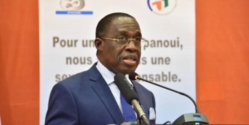Le ministre de la Santé et de l'Hygiène publique, Eugène Aka Aouélé. (DR)