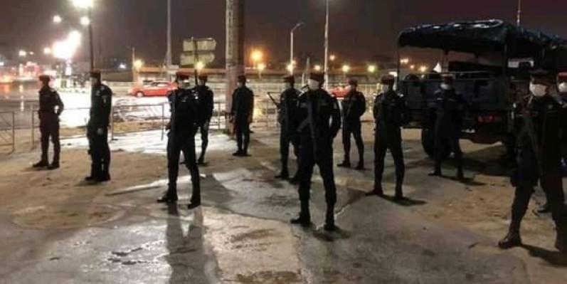 Les forces de l'ordre pendant le couvre-feu