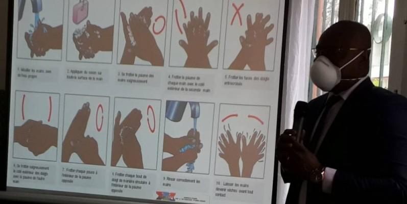 cette formation a permis aux apprenants de comprendre comment fonctionne le covid-19. (DR)