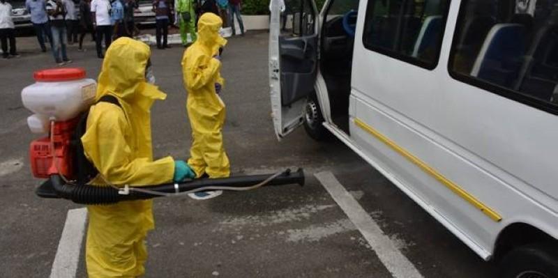 Séance de désinfection de véhicules de transport en commun par l'équipe du Gat. (DR)