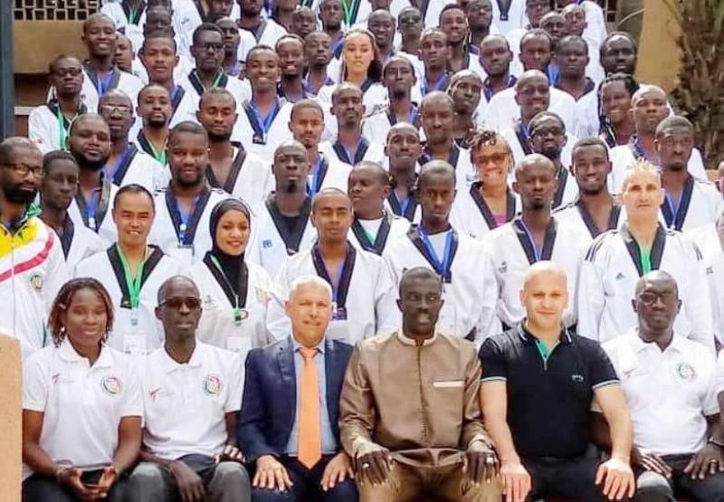 Une vue des 85 participants au séminaire et leurs instructeurs. (DR)
