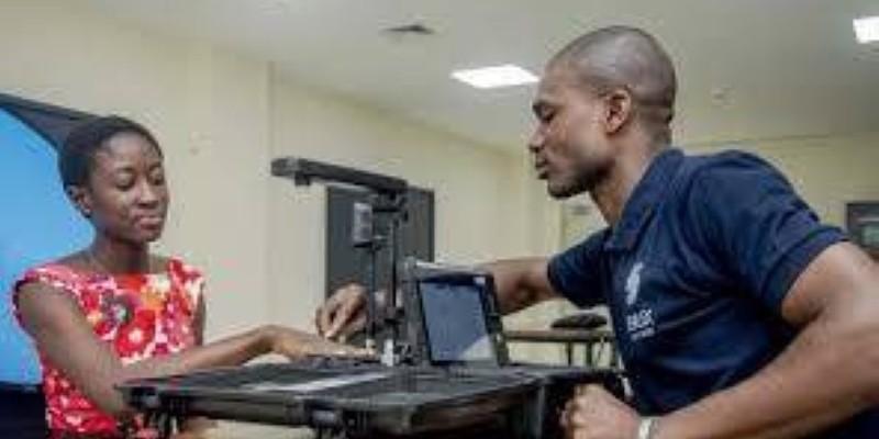 Les centres d'enrôlement pour la CNI restent ouverts malgré la situation du pays. (DR)
