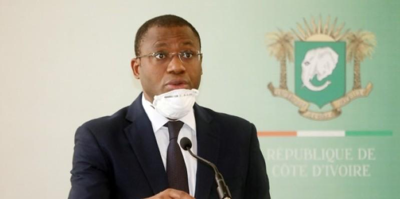 Les mesures sont strictement respectées avant l'entrée dans la salle du Conseil des ministres. (Dr)