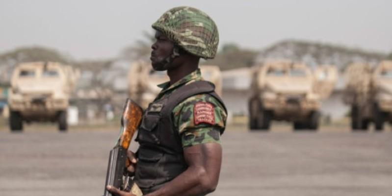 Un soldat nigérien montant la garde à Niamey, le 22 décembre 2019. (Dr)
