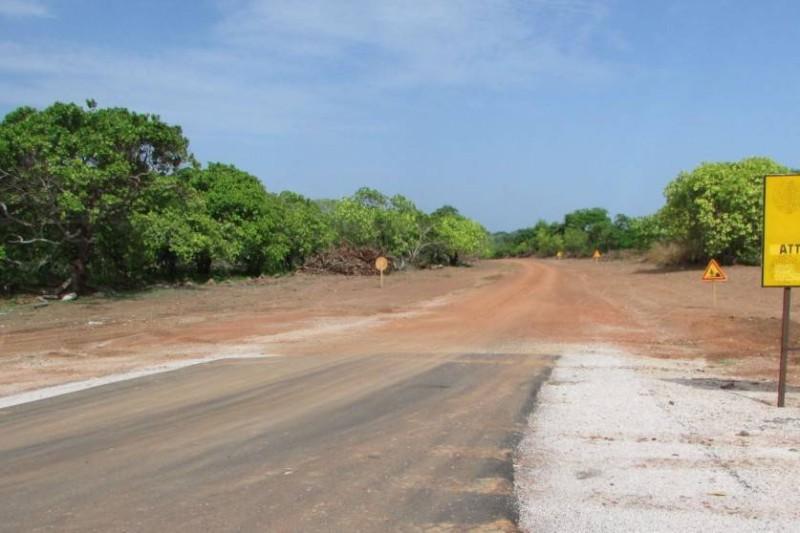 Il est prévu le bitumage de cette piste de cinq km.