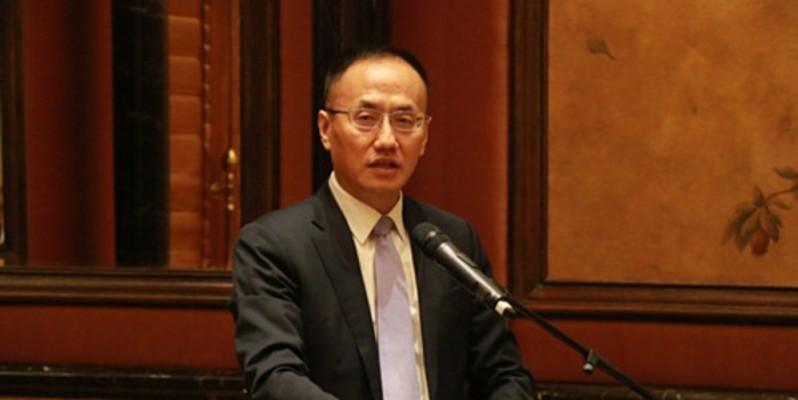 """Chen Xiaodong, ministre assistant des Affaires étrangères de Chine, a rencontré, dès le 13 avril, une vingtaine d'ambassadeurs des pays d'Afrique, pour les rassurer sur les bonnes intentions de son pays à l'égard des """"amis africains"""". (Photo : DR)"""