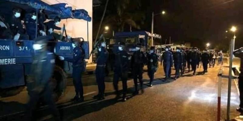Des individus pris pendant le couvre-feu à Alépé. (DR)