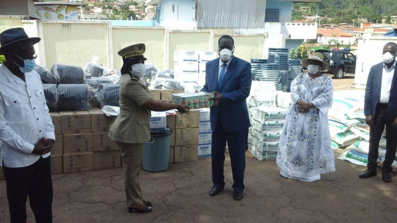 Don du vice-Président et du Premier ministre dans le Moronou (DR).