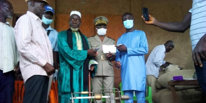 Des producteurs heureux de l'achat des noix de cajou (DR)