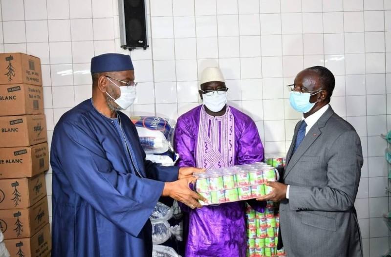 Le don a été remis au siège du Cosim à Treichville. (DR)moctar