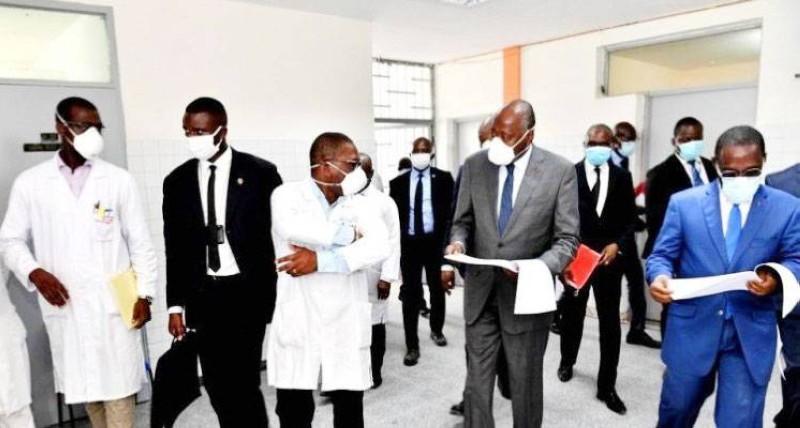 Le Premier ministre lors d'une visite dans un centre de santé. (DR)