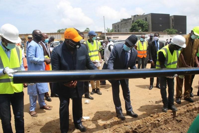 1,6 million de personnes de 155 sous-quartiers d'Abidjan et ses villes environnantes  bénéficieront sous peu de l'eau potable.