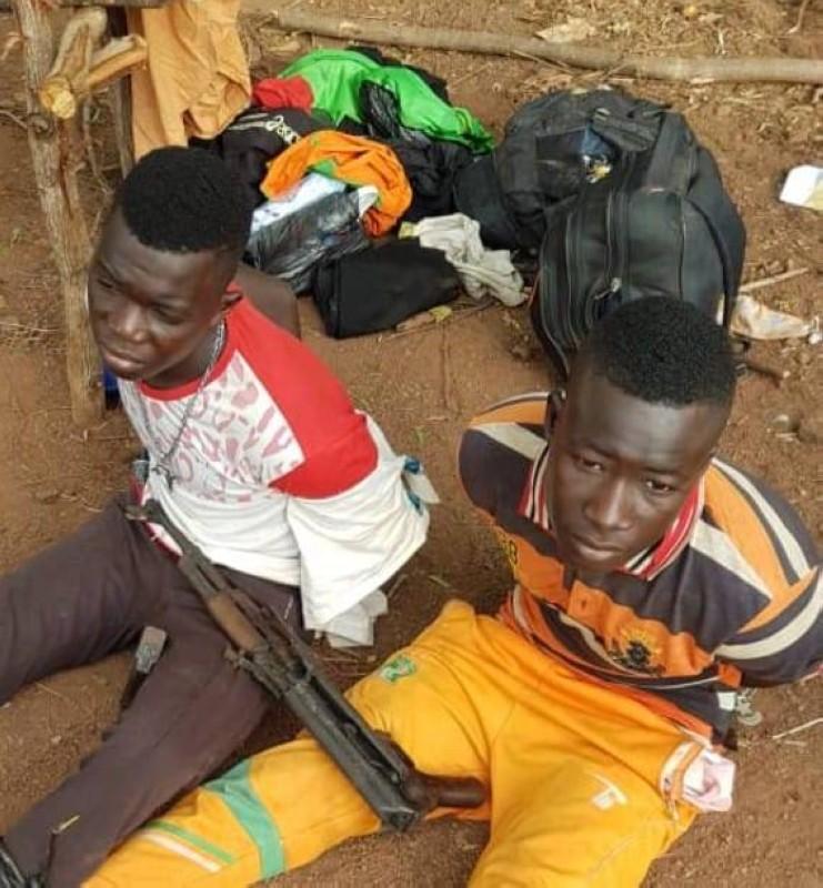 ces deux individus qui circulaient avec une Kalachnikov ont été interpellés par la gendarmerie à Niellé.