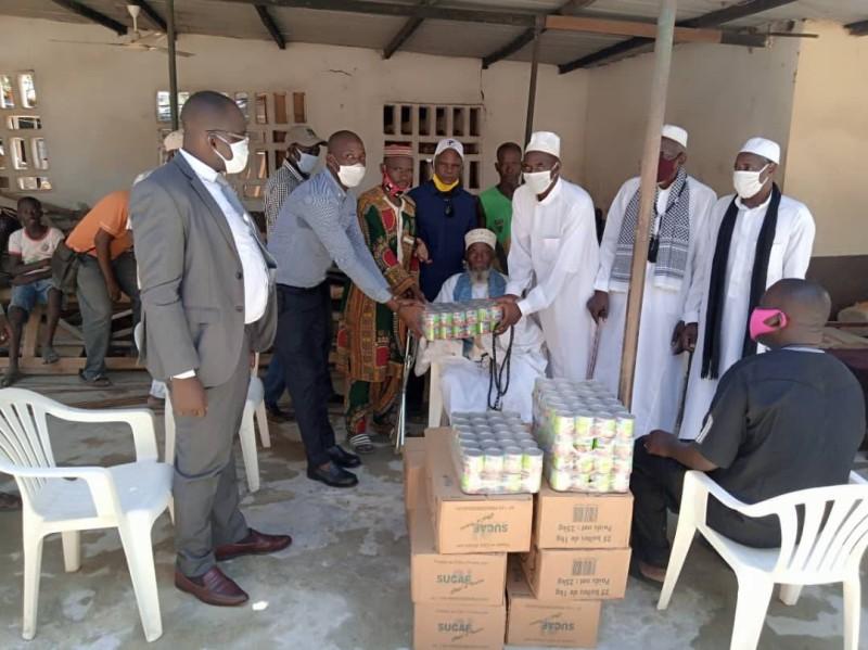 Bruno Koné dans plusieurs mosquées. (DR)