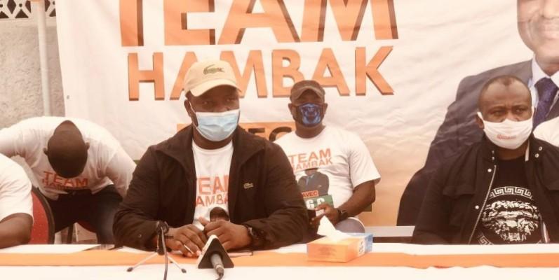 Ouattara Aboubacar (au micro) et Touré Souleymane ont salué le choix du Premier ministre, Amadou Gon Coulibaly, pour être le candidat du Rhdp à la présidentielle d'octobre prochain. (DR)