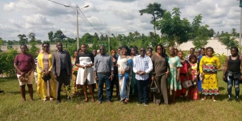 Le député Oula Privat a apporté son soutien aux restauratrices de Duékoué. (DR)
